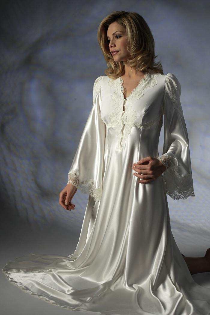 Nightdress with Long Sleeves Jane Woolrich Design 28756 ba21cb44a